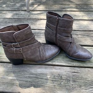 neutral brown/grey ankle boots